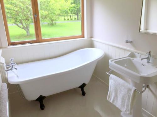 Warkworth bathroom